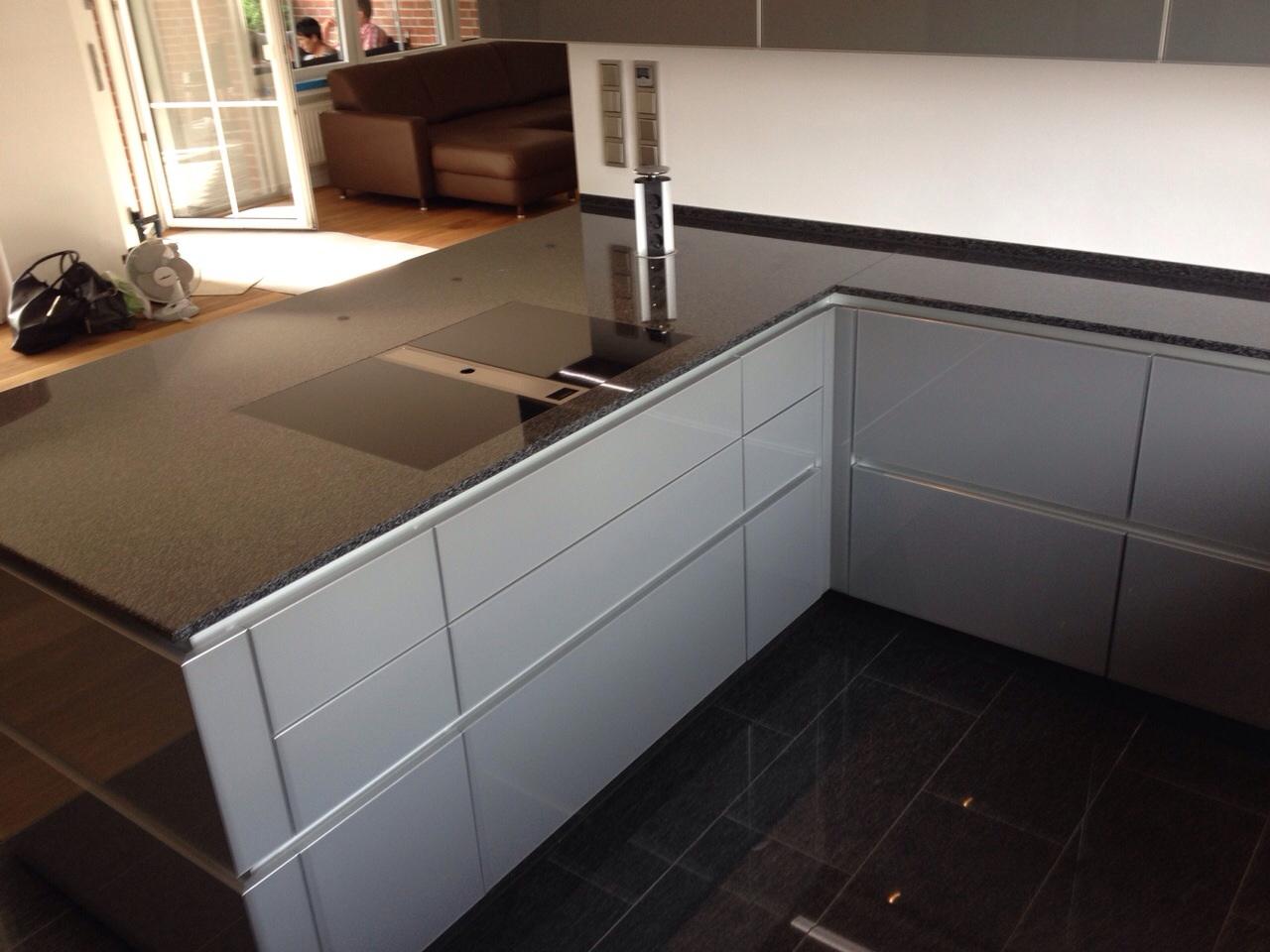Echtglas Design Küche S4