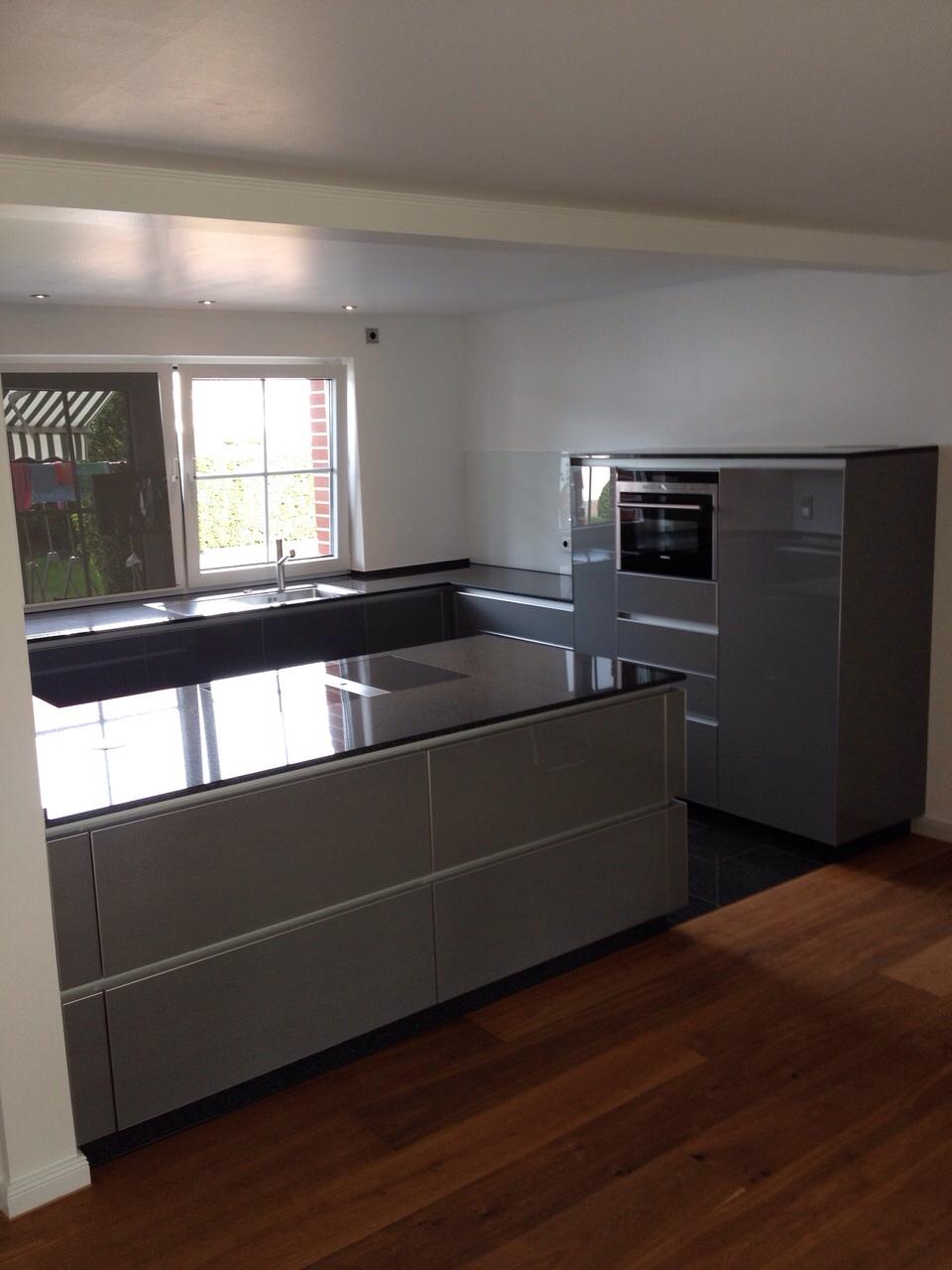 Echtglas Design Küche S1