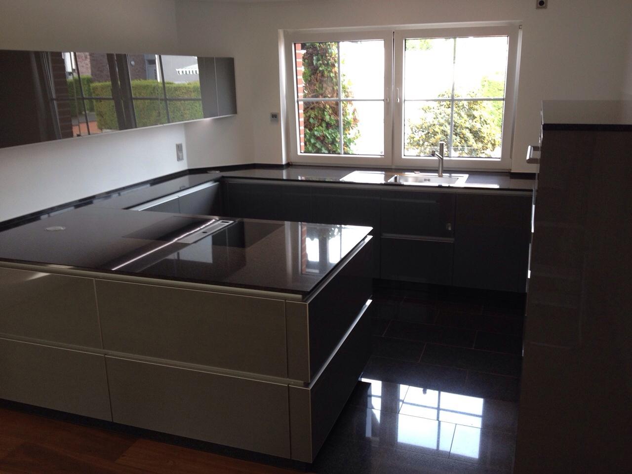 Echtglas Design Küche S2